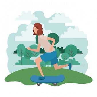 Femme, pratique, skateboarding, dans parc