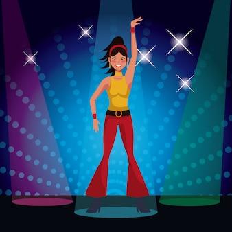 Femme qui danse à la discothèque des années 80 avec des lumières