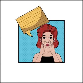 Femme rousse avec style pop art bulle
