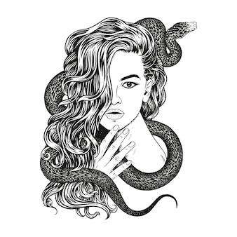 Femme avec un serpent