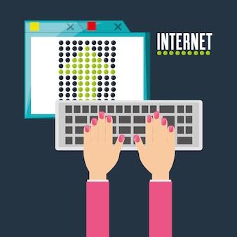 Femme en tapant sur le clavier et en utilisant internet