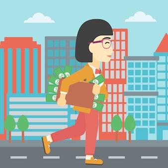 Femme avec valise pleine d'argent.