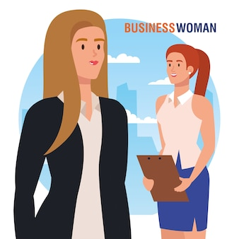 Femmes d'affaires élégantes avec presse-papiers