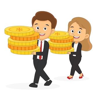 Femmes d'affaires et homme portant des piles d'argent