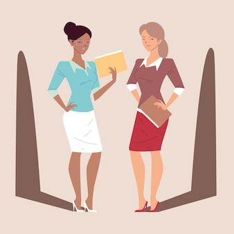 Femmes d'affaires mignonnes dans des poses différentes, femmes d'affaires