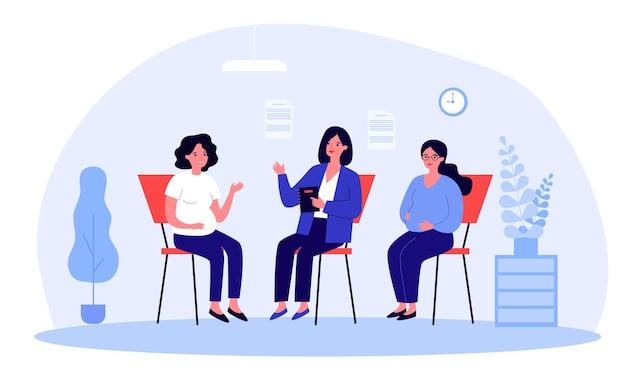 Femmes enceintes consultant spécialiste en classe prénatale. femelles avec des ventres parlant à une illustration vectorielle plane de thérapeute. grossesse, éducation, concept de maternité pour la bannière ou la page web de destination
