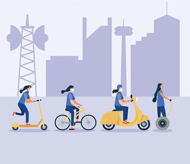 Femmes, à, masques, sur, hoverboard, scooter, vélo, et, moto