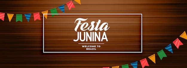 Festa junina bannière en bois avec décoration de guirlande