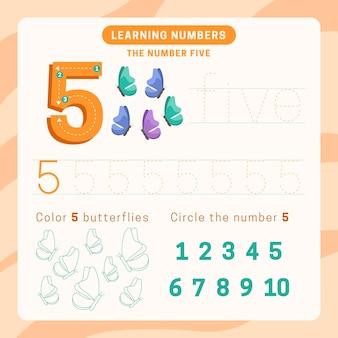 Feuille de calcul numéro 5 avec des papillons
