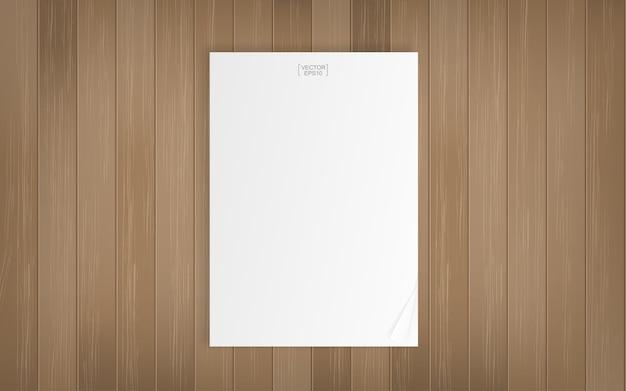 Feuille de papier sur fond en bois