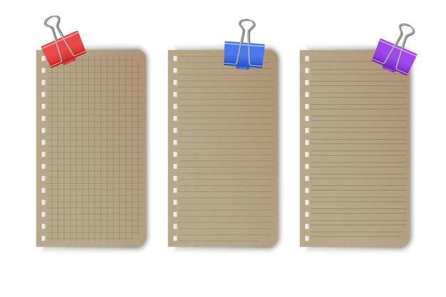 Feuilles de papier pour cahier quadrillé vierge avec des lignes et des carrés pour mémo