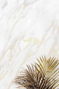 Feuilles tropicales dorées