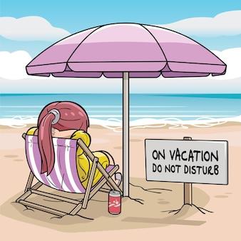 Une fille assise sur la plage et profitant de vacances