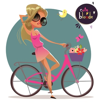 Fille blonde d'été de dessin animé mignon sur le vélo