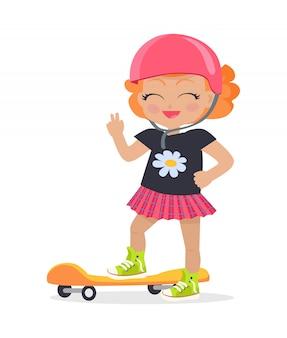 Fille en casque rose et jupe. planche à roulettes orange