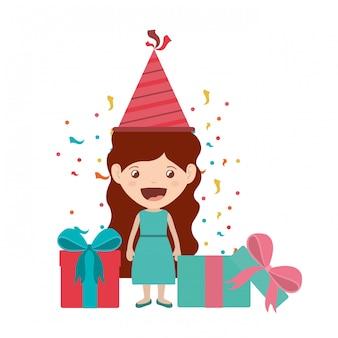 Fille avec chapeau de fête en fête d'anniversaire