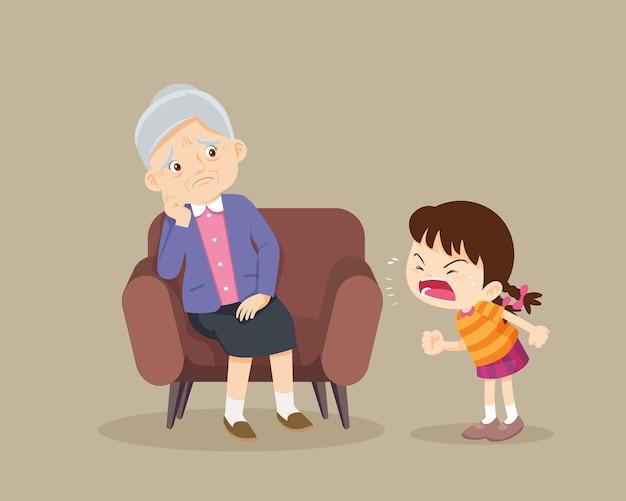 Une fille en colère gronde aux personnes âgées tristes