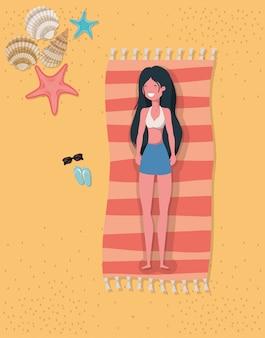 Fille avec la conception de maillots de bain d'été