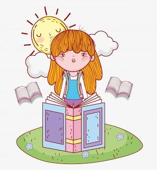 Fille lire des livres d'information avec le soleil