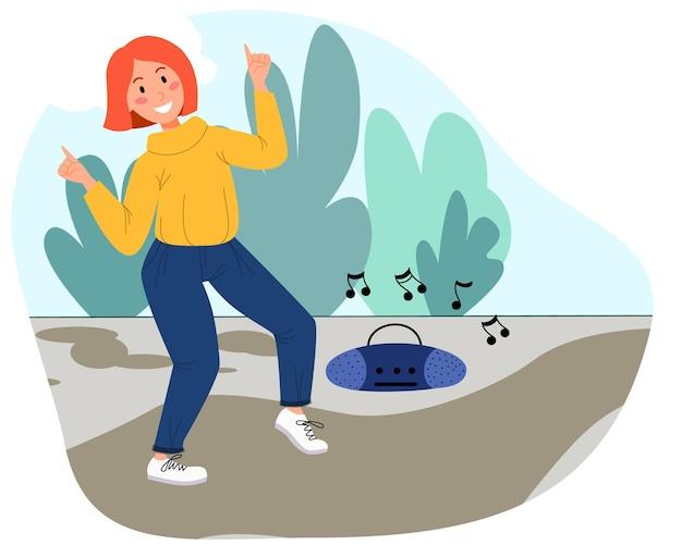 Fille souriante dansant et écoutant de la musique dans la rue. une femme danse dans le parc. illustration vectorielle dans un style plat