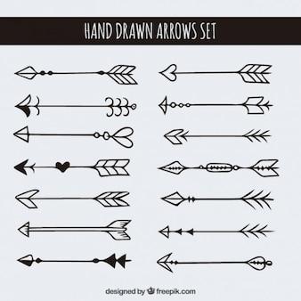 Flèches dessinés à la main mis en