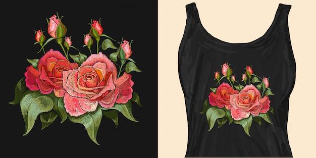 Fleurs roses. broderie