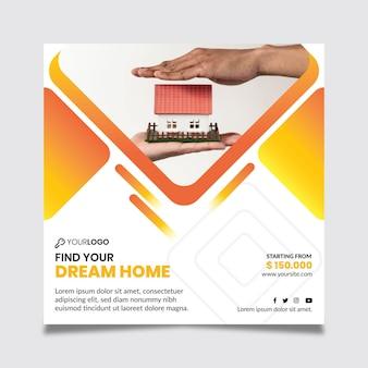 Flyer carré de modèle immobilier