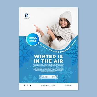 Flyer vertical pour les soldes d'hiver