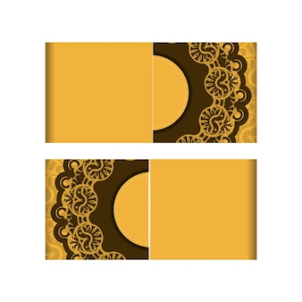 Flyer de voeux jaune avec motif brun indien est préparé pour l'impression.