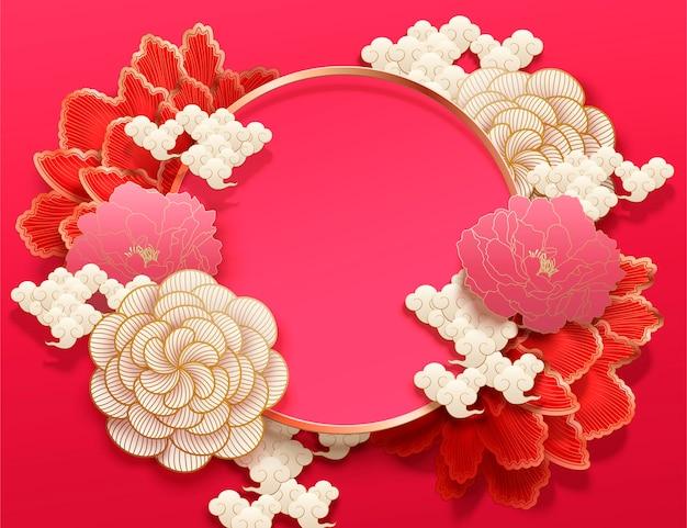 Fond de couleur fuchsia avec d'élégantes fleurs de pivoine dans un style art papier