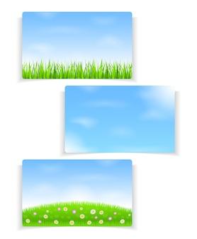 Fond d'été avec ciel bleu et herbe verte