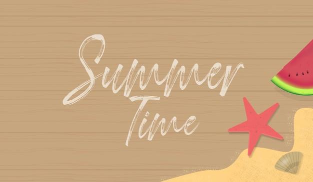 Fond d'été avec la pastèque, le sable et l'étoile de mer