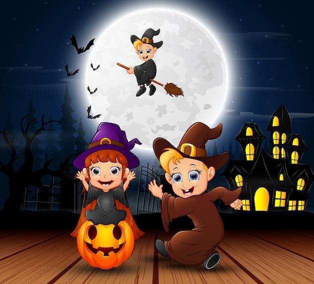 Fond d'halloween avec une sorcière volante