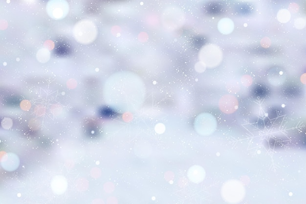 Fond d'hiver flou avec de la neige