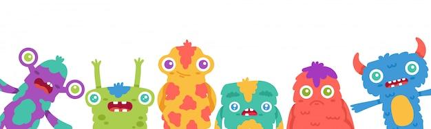Fond de monstres de dessin animé. mascottes de monstre mignon dessin animé halloween, créature moelleuse, carte de voeux extraterrestre drôle ou illustration de bannière. visage gremlin halloween avec des dents et des cornes