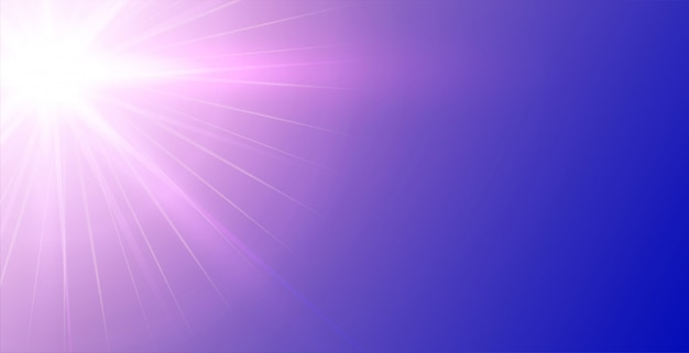 Fond violet avec des rayons lumineux incandescents