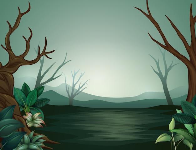 Forêt effrayante de halloween la nuit et brumeuse