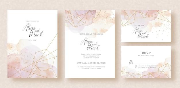 Formes d'or paragon avec aquarelle splash sur la conception d'invitation de mariage