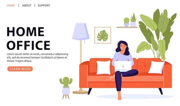 Freelance femme travaillant sur ordinateur portable. conditions de travail confortables.