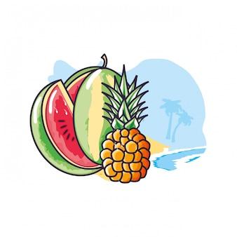 Fruit d'ananas frais à la plage avec la pastèque