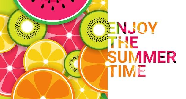 Fruits tropicaux colorés appréciez l'été organique
