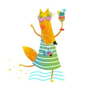 Funky party cocktail fox portant une robe avec un personnage de caméra