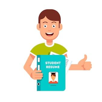 Futur étudiant tenant et montrant son cv