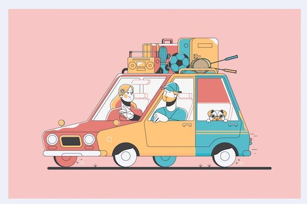 Gaie jeune famille traditionnelle a un long voyage en voiture