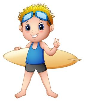 Garçon de dessin animé avec une planche de surf