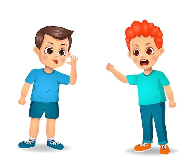 Garçon enfants se battant les uns avec les autres