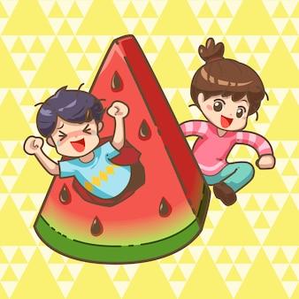 Garçon et fille avec une grosse tranche de melon d'eau