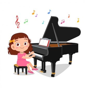Garçon et fille jouant du piano