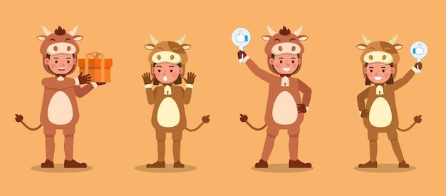 Garçon et fille portant des costumes de vache. présentation en diverses actions avec émotions.