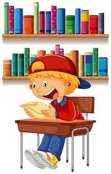 Un garçon lisant sur une table